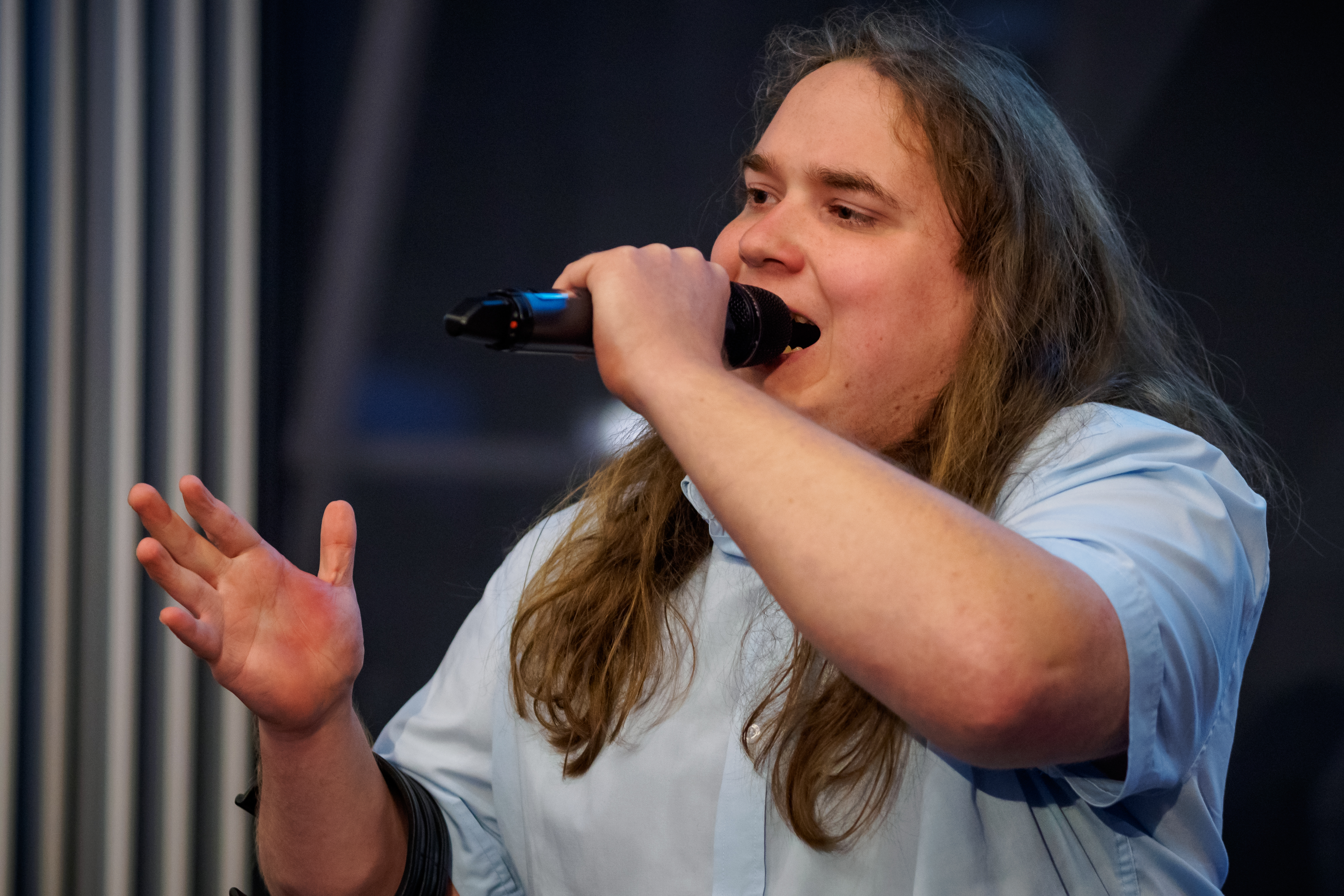Kamil Czeszel śpiewa